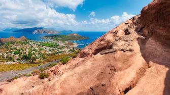 sicily holiday guide sicilian isles favignana salina villa sea beach egadian island