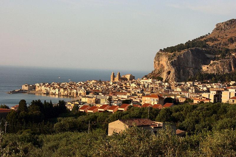 sicily holiday area information cefalu holiday villa seaside panorama city sea