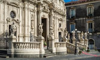 sicily discover information acireale holiday villa citycentre architecture baroque