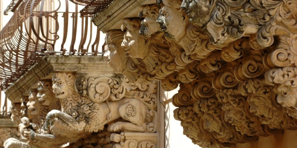 sicily guide art and culture noto baroque architecture unesco balcony sightseeing