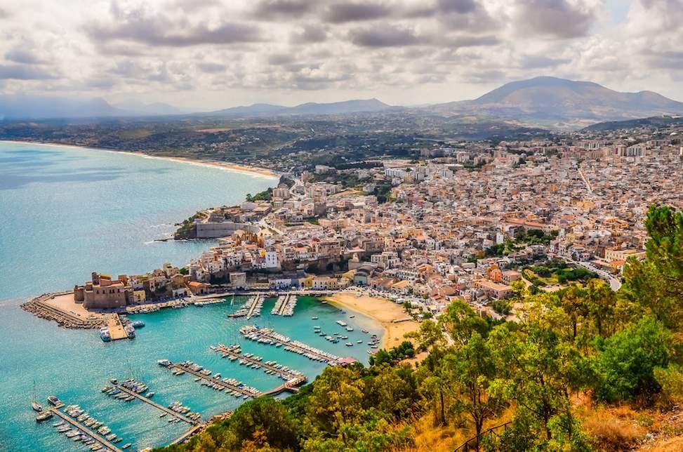 sicily area information discover scopello holiday villa seaside coastline houses castellammare panoramic view harbour