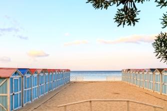 sicily area information discover mondello holiday villa seaside beach huts sand
