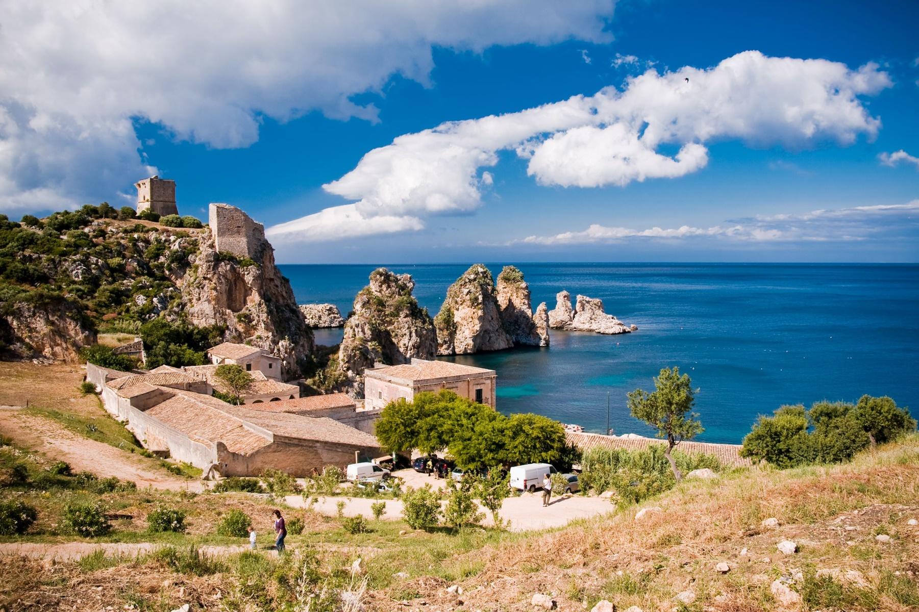 sicily area information discover scopello holiday villa seaside coastline houses rocks