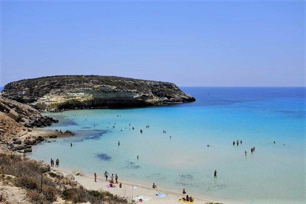 sicily guide holiday information sicilian cities travel sightseeing sicilian islands lampedusa isola beach sea isola dei conigli