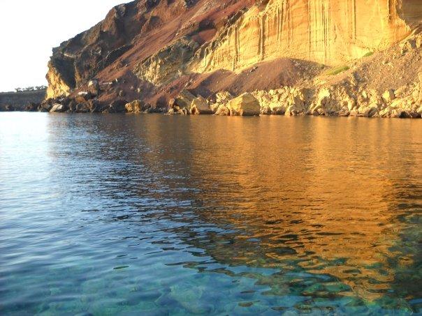 sicily guide holiday information sicilian cities travel sightseeing sicilian islands linosa boat trips sea shore