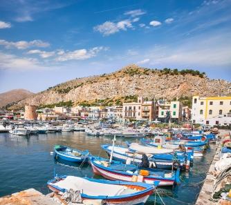 sicily area information discover mondello holiday villa seaside harbour fisher