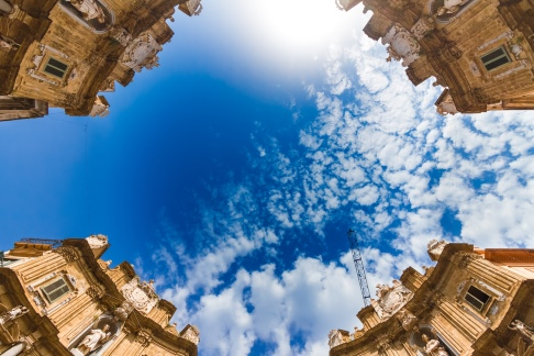 sicily guide holiday information palermo sicilian cities old town quattro canti city centre
