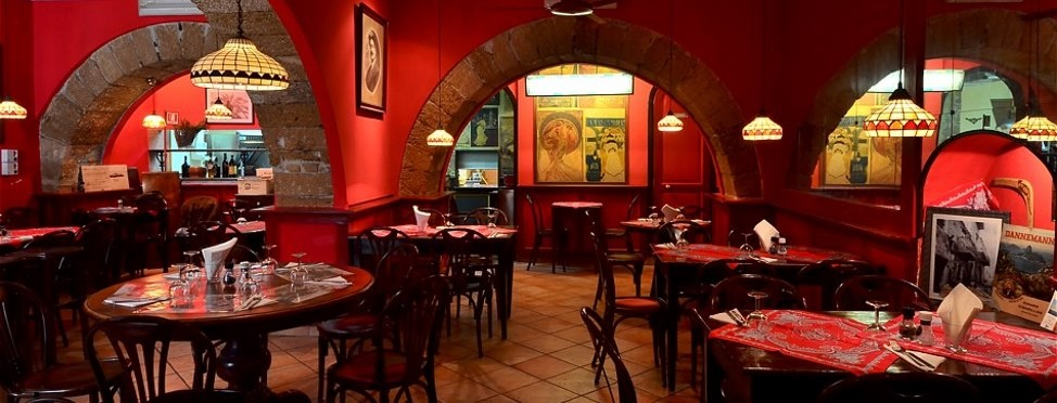 sicily guide holiday information sicilian cities restaurant eating out la brace