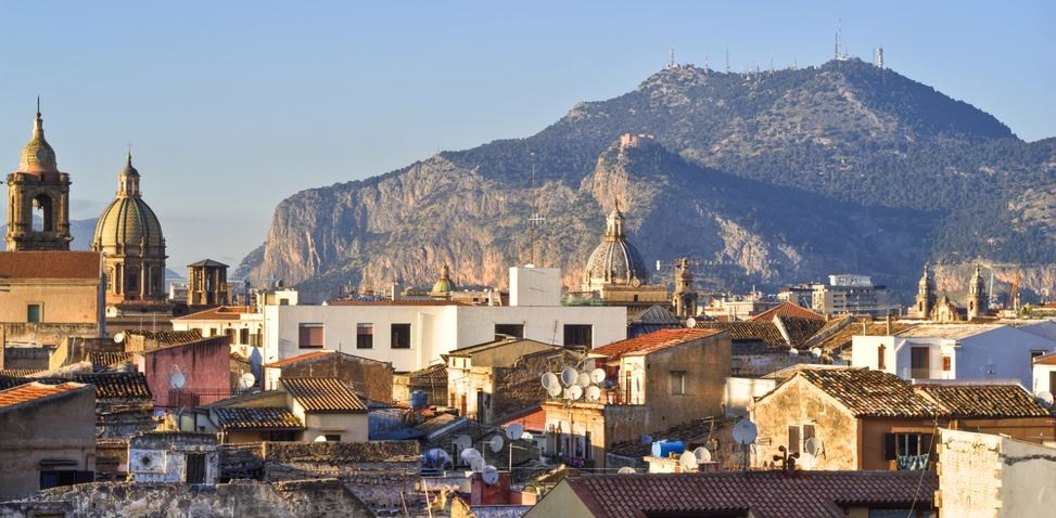 sicily guide holiday information palermo sicilian cities old town