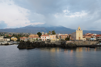 sicily discover information acireale holiday villa seaside town harbour