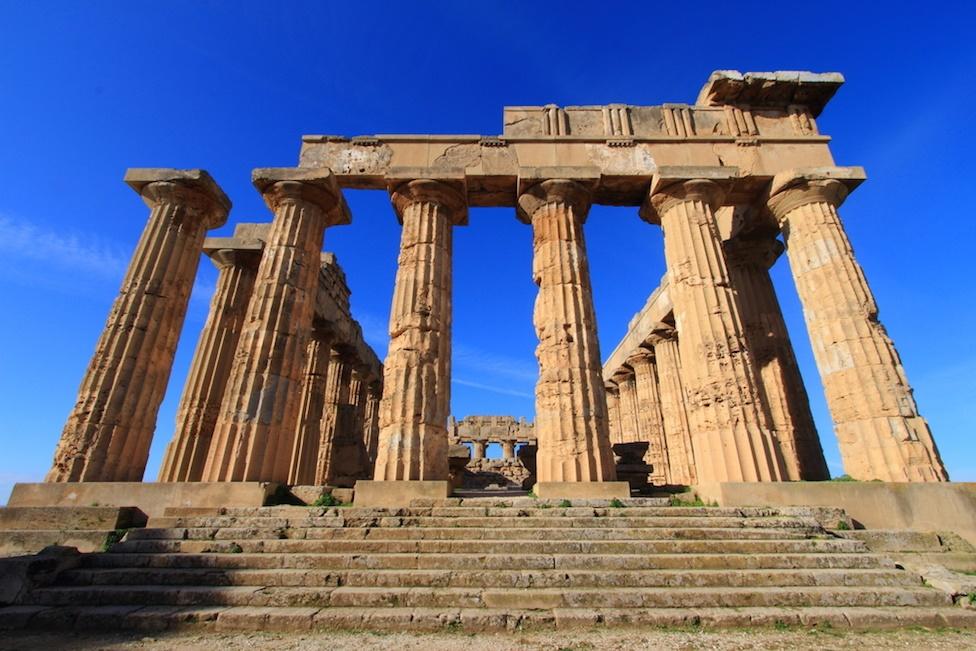 sicily area information discover selinunte holiday villa ancient temple