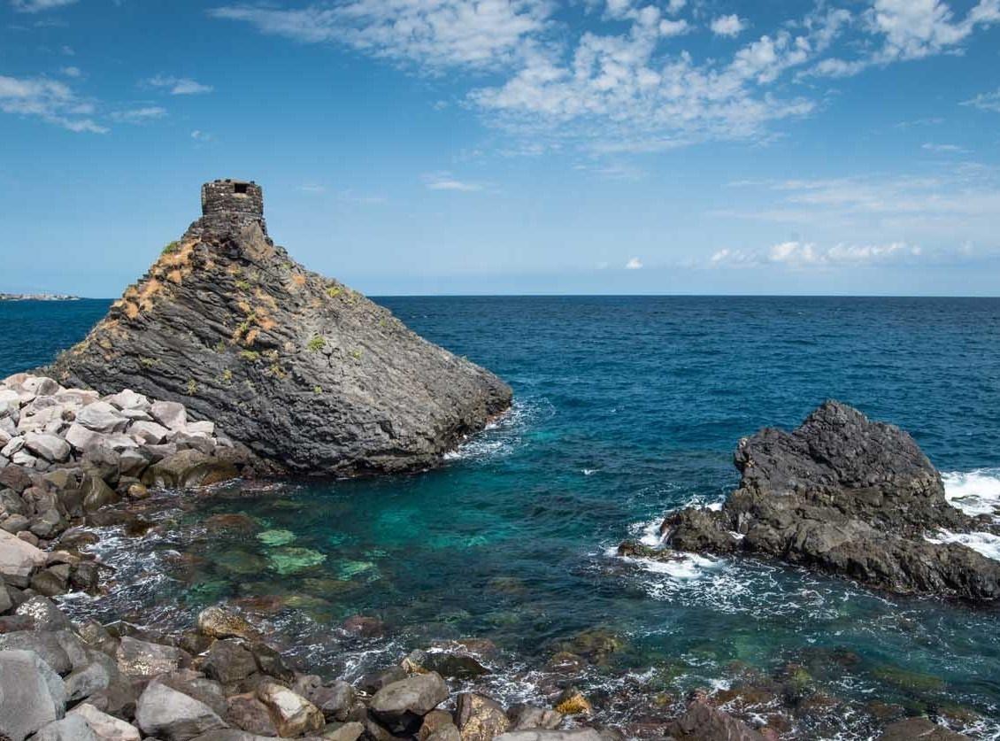 sicily discover information acireale holiday villa seaside coast