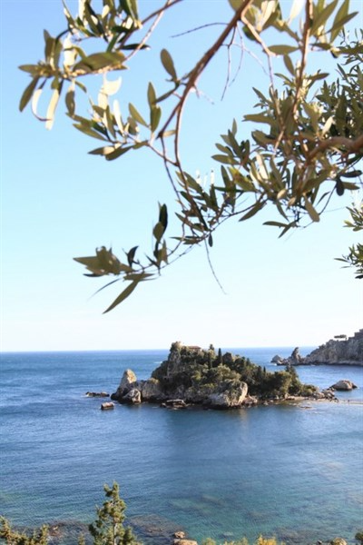sicily guide holiday information sicilian cities travel sightseeing taormina tour trip sea